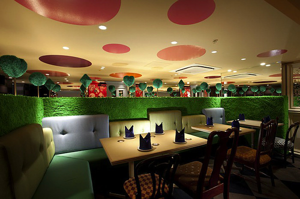 Surprisingly Modern Alice In Wonderland Themed Restaurant