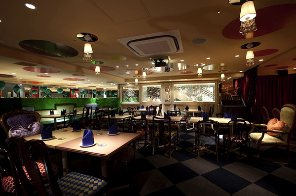 Alice in Wonderland Restaurant (6)