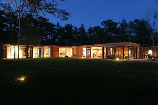 Bergman Werntoft House 3 Modern one storey residence surrounded by pine trees