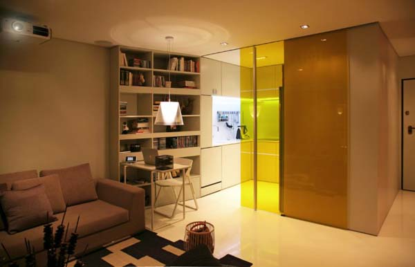 Small House by Consexto 2 Living in a small urban apartment: Closet House
