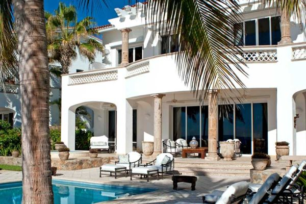 Luxurious-Mexican-Style-Holiday-Residence3