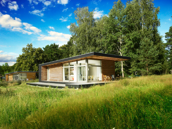 Small prefab dream vacation home sommerhaus piu prefab for Tiny vacation homes