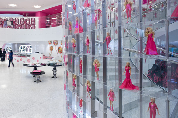 World's largest Barbie Store (2)