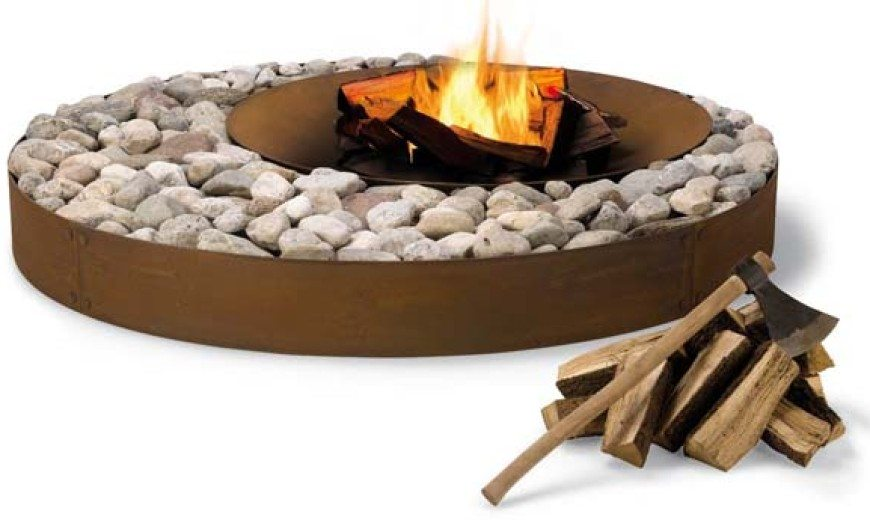 Exceptional outdoor fireplace design: Zen Fireplace from AK47 Design