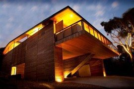 Wooden Cottage on the Coast: Citriodora House by Seeley Architects