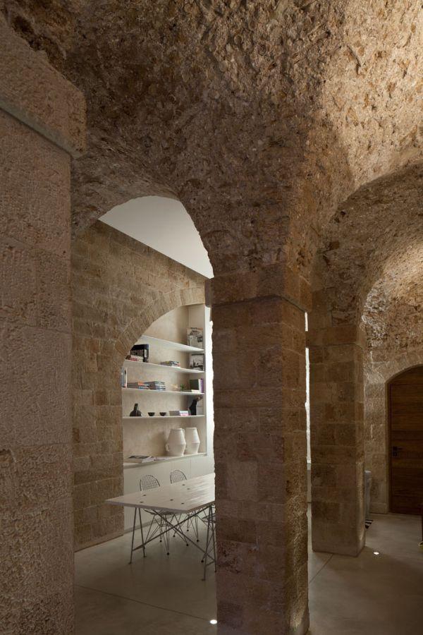 Contemporary minimalist apartment5