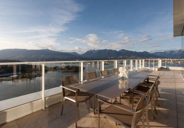 Contemporary penthouse interior design14