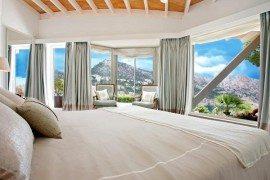 Breathtaking South-Facing Villa  Sports Gull-Wing Design