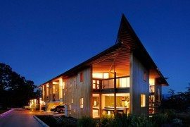 Modern Ranch in British Columbia Charms With Its Luxury Amenities