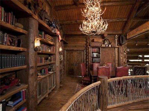 Castlewood Manor 14