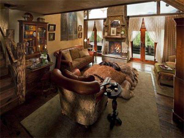 Castlewood Manor 15