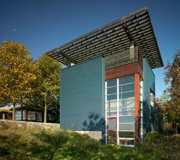Green-Blais-Residence-by-Architects-Alliance-16