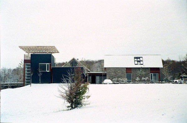 Green-Blais-Residence-by-Architects-Alliance-9