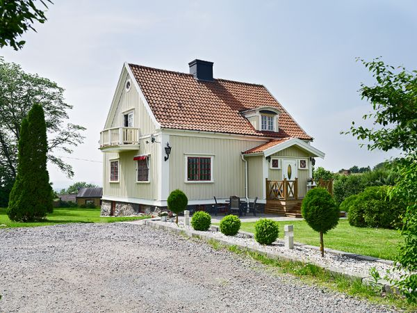 History-filled-villa14
