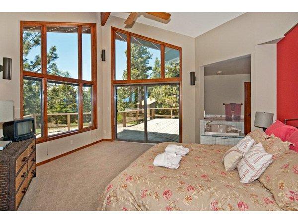 Luxury Mountain Home 13