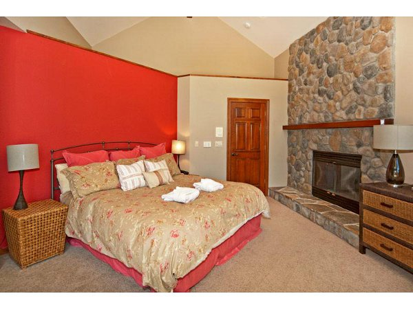 Luxury Mountain Home 14