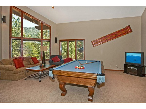 Luxury Mountain Home 16