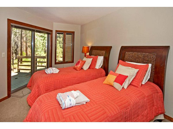 Luxury Mountain Home 21