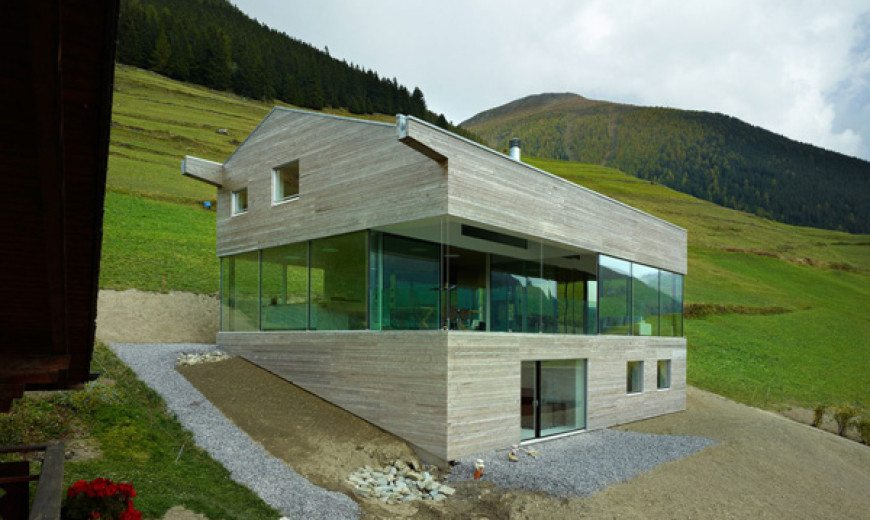 Fascinating glazed home with 360 views in Switzerland