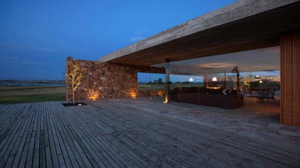 Punta-House-by-Marcio-Kogan-15