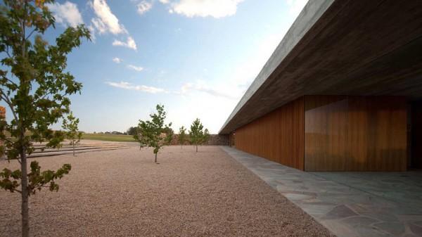 Punta House by Marcio Kogan 3
