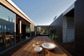 Shoreham House Offers Easy Luxury for an Extended Family