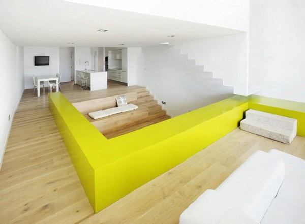 Spacious Step House Design in Narrow Plot Land 1