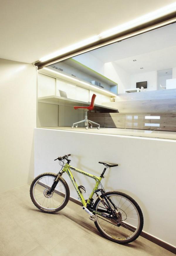 Spacious-Step-House-Design-in-Narrow-Plot-Land-4