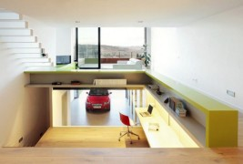 Spacious Step House Design in Narrow Plot Land 5