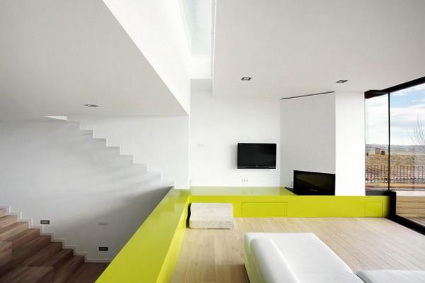 Spacious-Step-House-Design-in-Narrow-Plot-Land-7