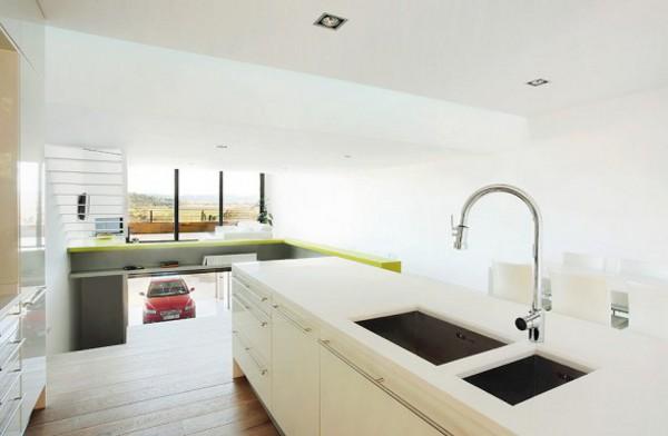 Spacious-Step-House-Design-in-Narrow-Plot-Land-8