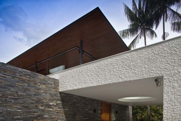 Water Cooled House 2 Fascinating residence with exceptional water features: The Water Cooled House