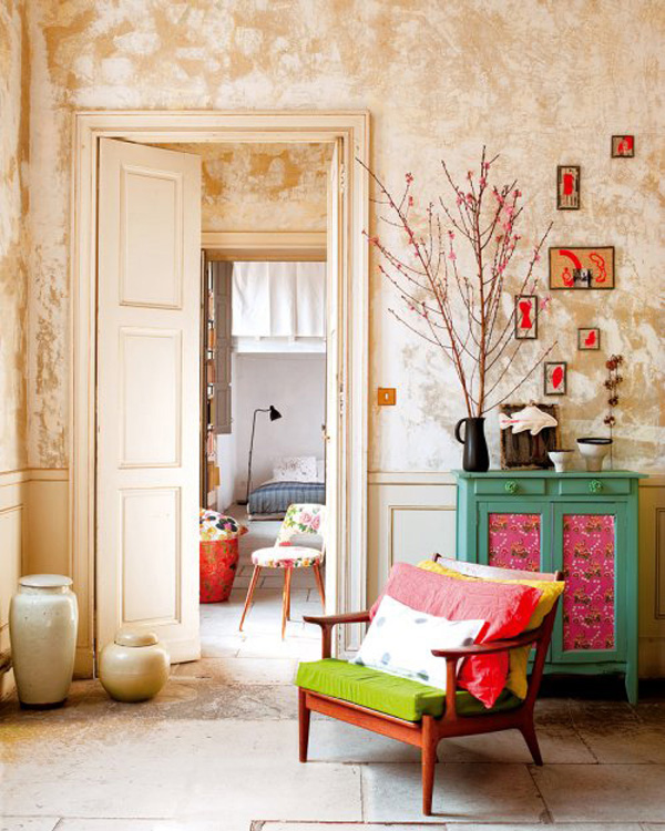 colorful apartment in france 2 Vividly colored chic apartment in Nimes, France