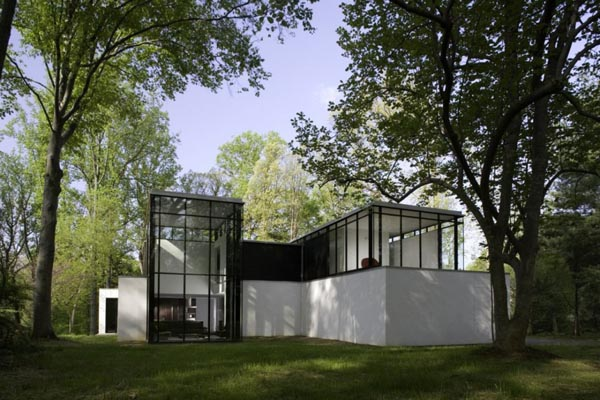 the blackwhite residence 2 Residence exploring the black/white connection by David Jameson Architect