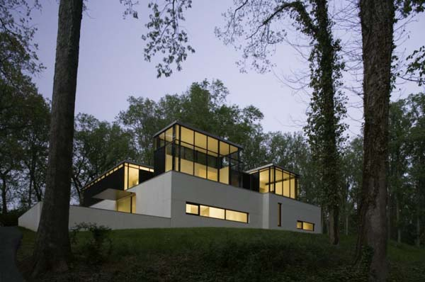 the blackwhite residence Residence exploring the black/white connection by David Jameson Architect