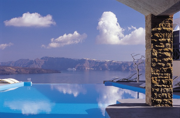 Astarte-Suites-Hotel-_-Infinity-pool-_-Santorini