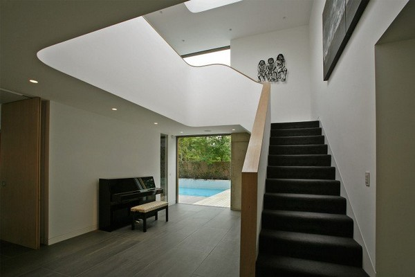 Contemporary Home in London 25