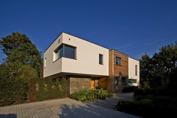 Contemporary Home in London 4