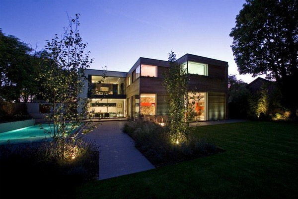 Contemporary Home in London 7