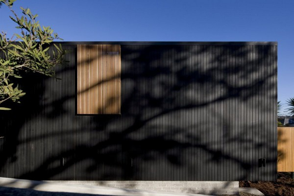 Curl Curl Beach House by CplusC Architects 1