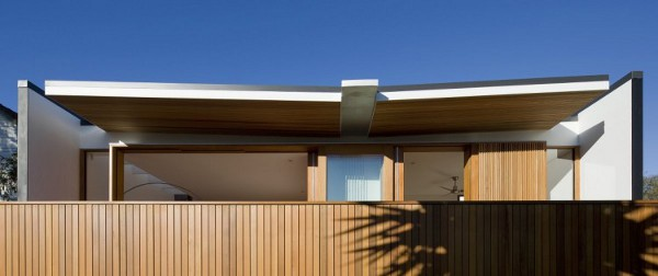 Curl Curl Beach House by CplusC Architects 5