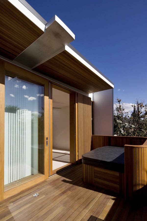 Curl-Curl-Beach-House-by-CplusC-Architects-6