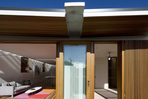 Curl Curl Beach House by CplusC Architects 7
