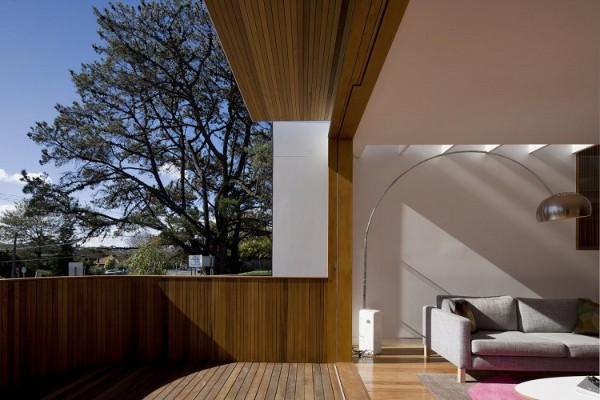 Curl-Curl-Beach-House-by-CplusC-Architects-9