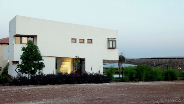 Desert Villa by Uri Cohen Architects 3