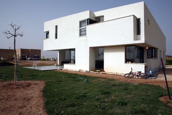Desert Villa by Uri Cohen Architects 4