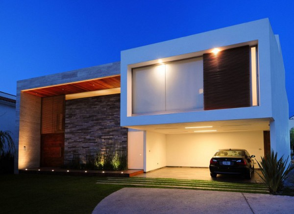 EV House by Ze Arquitectura 2