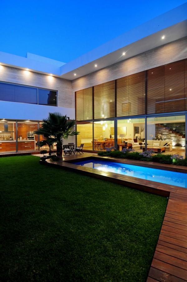 EV House by Ze Arquitectura 6