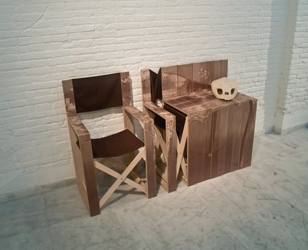 Exceptional Folding Chair Transforms Into a Side Table 2