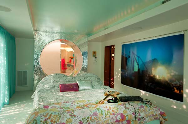 Flaming Lips Residence 2 A rockers promise towards his childhood community: Flaming Lips Residence